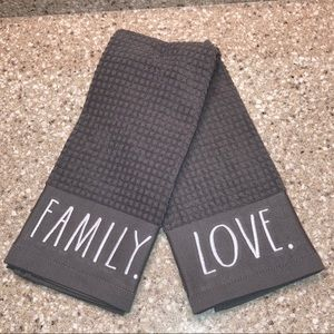 NWT Kitchen Towels (Set of 2) Rae Dunn LOVE/FAMILY